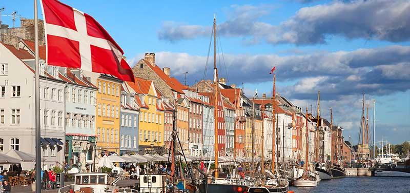 Sök lediga dansktalande jobb idag!