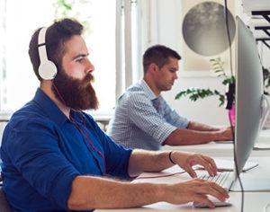 Trend: Ökat behov av innovativa IT-specialister och programmerare gör att företag bortser från tidigare språkkrav.