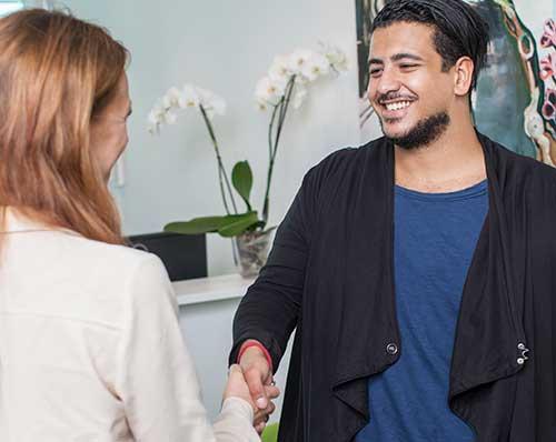 Så fick nyexade Sorush nytt ekonomijobb på Swedbank