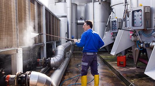 Foto: Clemondo rekrytering man i fabrik
