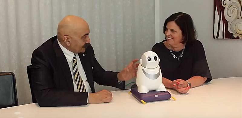 TNG investerar i en ai-robot för att förbättra det personliga mötet