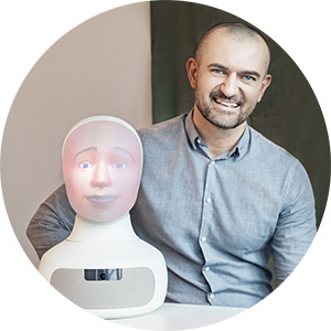 Tengai Unbiased & Sinisa Strbac, robottränare