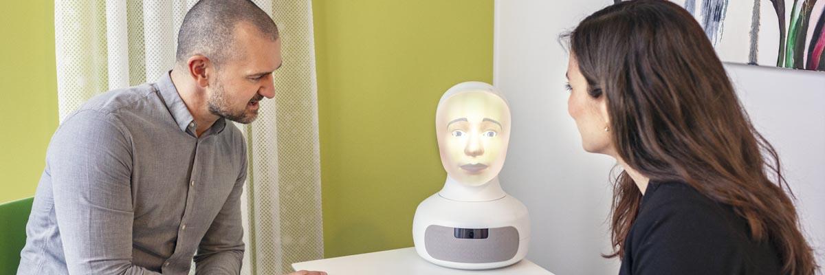 Följ utvecklingen av intervjuroboten Tengai Unbiased på vår blogg!