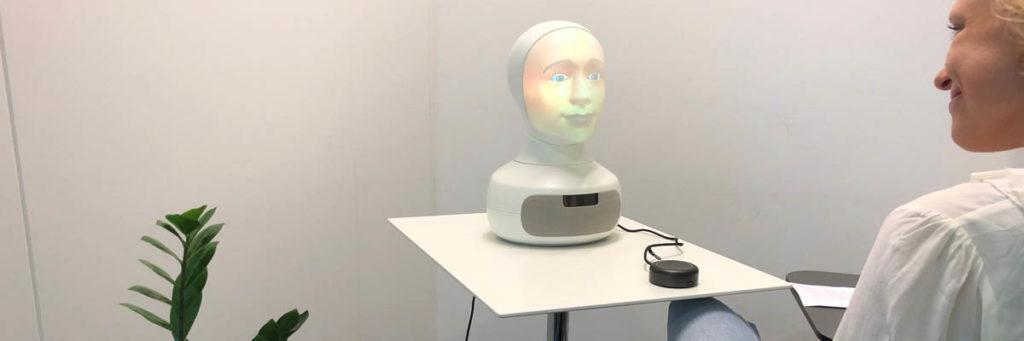 Intervjuroboten Tengai – utvecklad av TNG och Furhat Robotics
