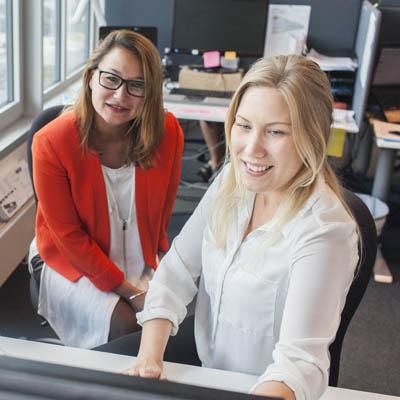 Rekrytering och bemanning inom administration Två kollegor Inaktiv