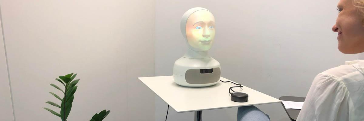 Automatiserade robotintervjuer med intervjuroboten Tengai