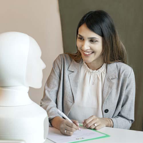 Intervjuroboten Tengai används vid rekrytering av kunder inom många olika brancher
