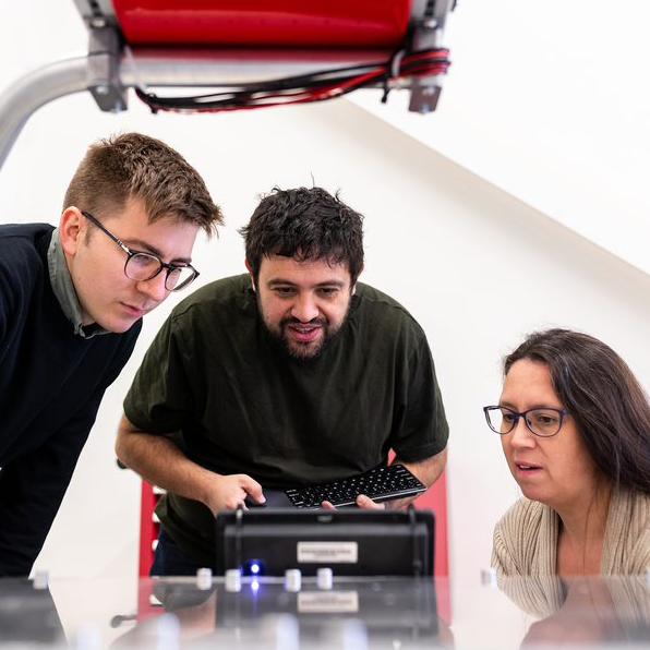 cleantech specialister robot människa maskin kvinna män
