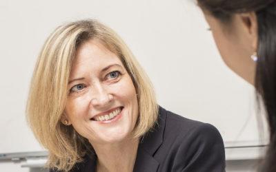 kvinna rekryterare chefsrekrytering